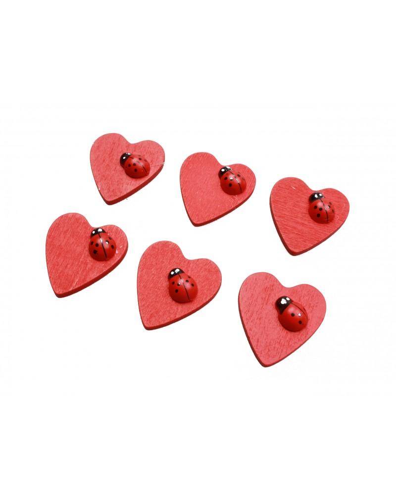 Serca naklejane z czerwonymi biedronkami