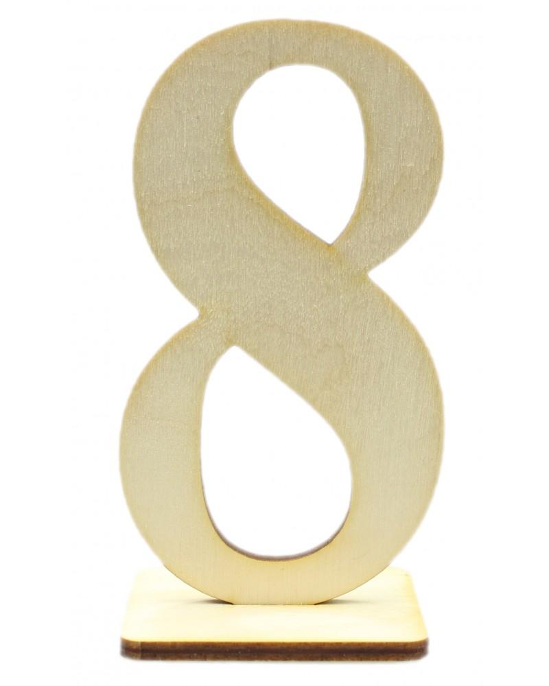 Drewniany numer 8