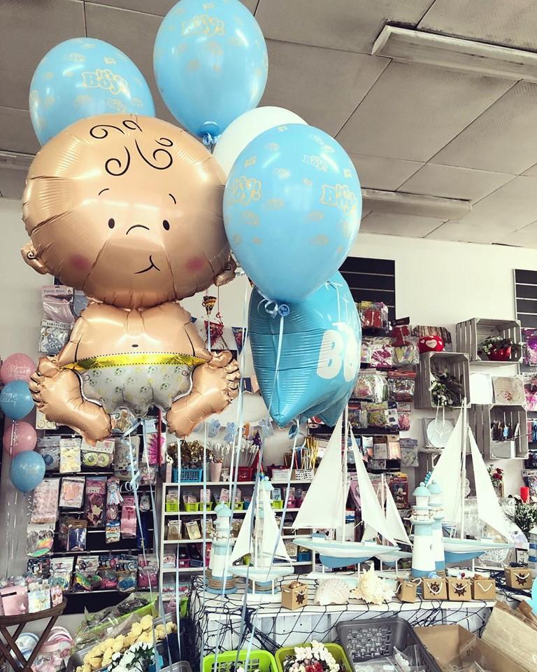balony baby shower z helem